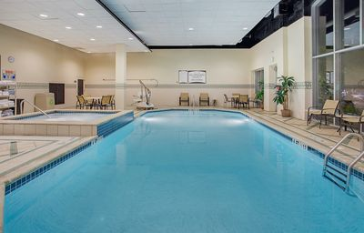 Photo for Pool & Hot Tub. Free Daily Breakfast Buffet. Near Chattanooga Convention Center!