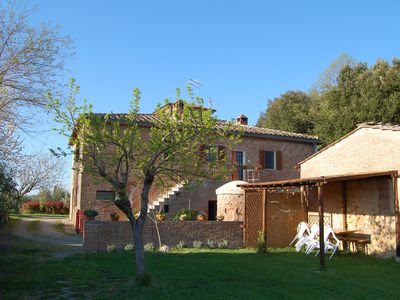 Photo for Large panoramic apartment in the Tuscan countryside, 7 km from Siena
