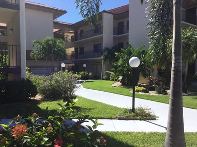 Photo for Lake View Condo In Gated Community Within Minutes Of Beaches!