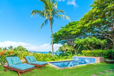 Private Grass Lawn and Garden for D101 Coco Palms Villa & Partial Ocean View