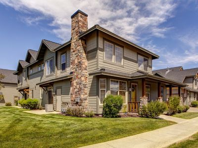 Photo for NEW LISTING! Family-friendly home w/ jetted tub - close to shopping & skiing