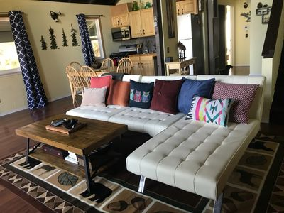 Fully Remodeled  ~ Minutes from Ski Lift ~ No Ski Leases
