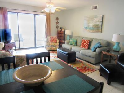 Photo for Updated, Bright and Spacious Beachside condo with 2 king beds!