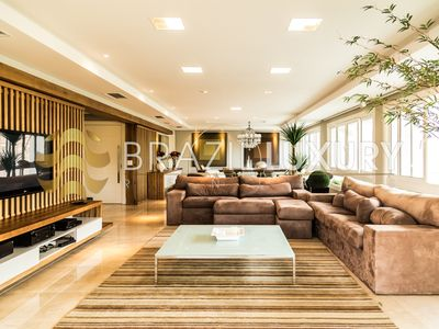 Photo for Luxurious 4 bedrooms apartment close to the beach
