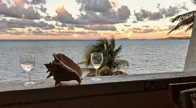 Photo for Beautiful condo ON THE BEACH. Enjoy amazing views and the cool ocean breeze.