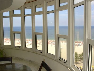 Experience 100% of Copacabana Beach from the comfort of the apartment's Atrium