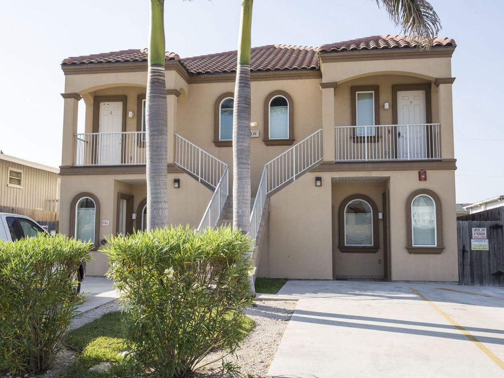 Owners Special Updated 3 Bedrooms Condo Close To Beach Great Amenities Pool South Padre Island