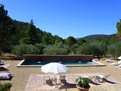 Photo for Privatization guest house, exceptional park, olive grove, swimming pool, in Provence