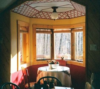 The Breakfast Nook - Perfect for Bird Watching.