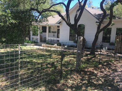 Photo for Adorable farmhouse in Hill Country