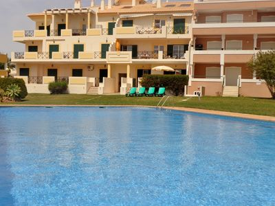 Photo for Apartment in Vilamoura, with pool views, air conditioning and free wi-fi