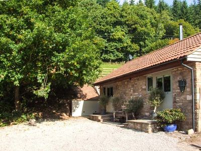 Photo for THE STABLE, character holiday cottage in Deepdean, Ref 914433
