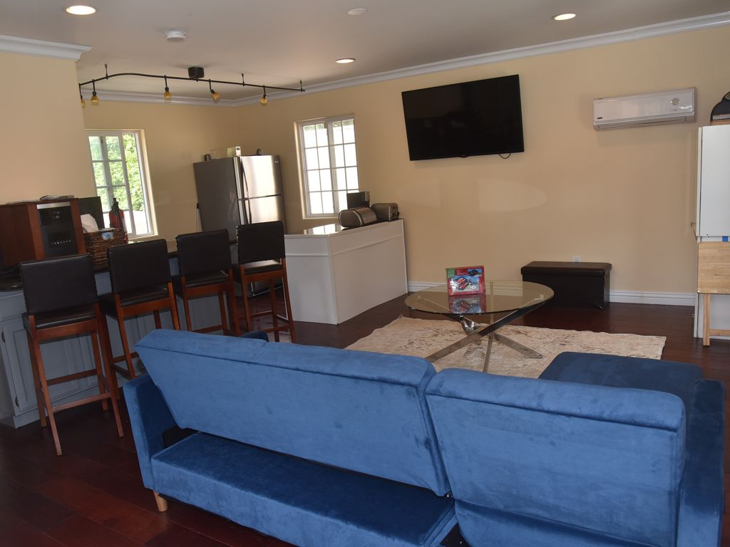 South Los Angeles Guest House Rental