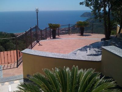 Photo for Alassio - Villa with private pool, large garden and wellness area