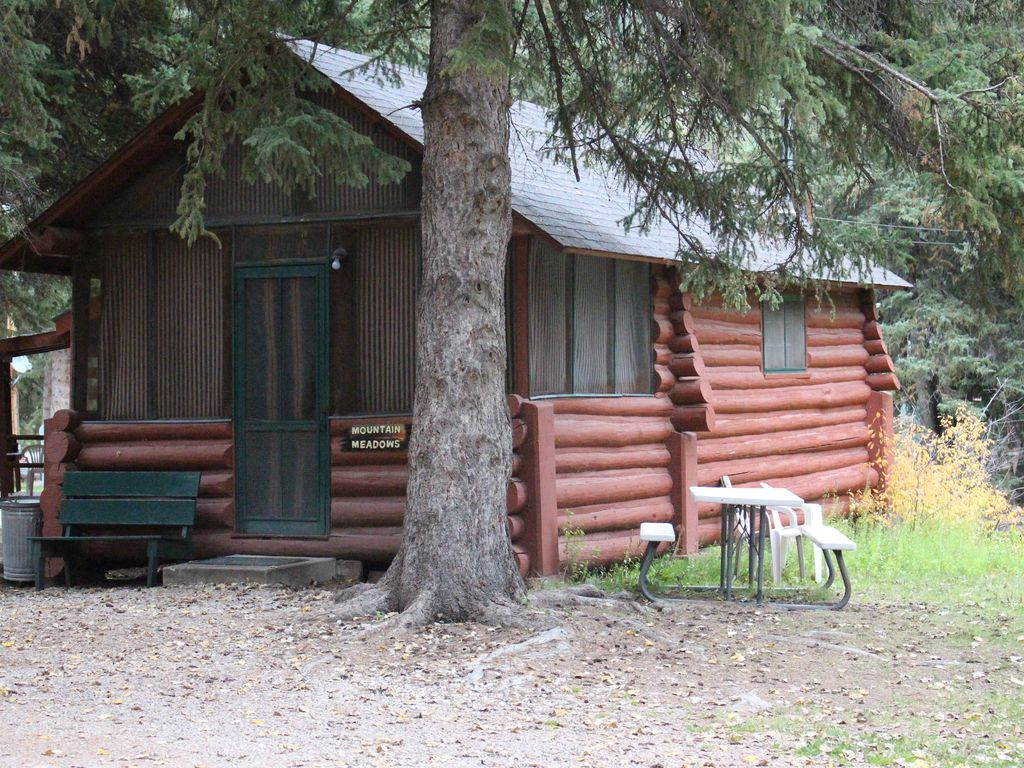 Cabin Creek Clothing: Mt. Meadows Cabin On Spearfish Creek