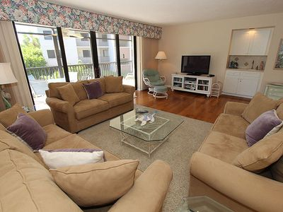 Photo for Spacious, Bright, End Unit! Compass Point 201