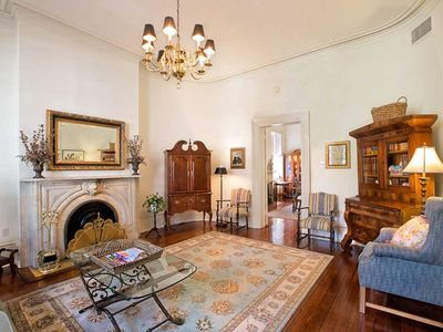 Flexible Refund Policies: Historic Home w/ Patio Above Mrs. Wilkes Restaurant