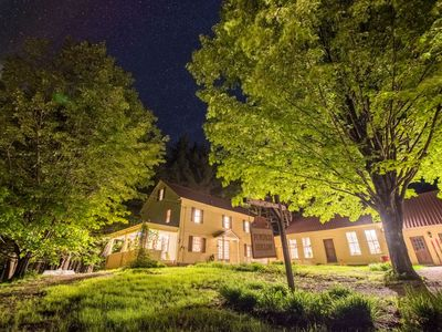 Pumpkin Hollow House, Hot Tub, Private brook, pool table, recently updated