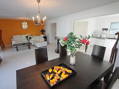 2 Min Walk from the Beach of Orient Bay
