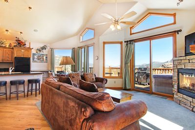 Beaver Mountain 20A - Spacious and inviting with amazing views!