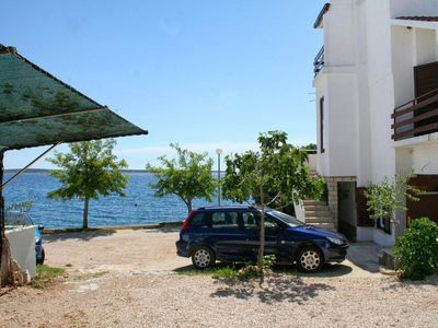 Photo for Studio flat near beach Mandre, Pag (AS-4101-b)