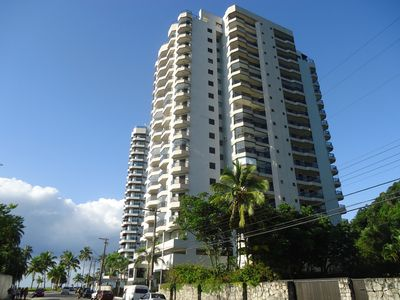 Photo for Suitable COND. CLUB BEACHFRONT: 3 BEDROOMS (2 SUITES) + AR-COND + SWIMMING POOL +2 GAR + WIFI