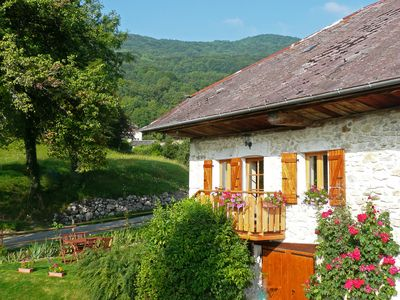 Photo for Gite - Moye- in a green setting, between Lake Annecy and Bourget