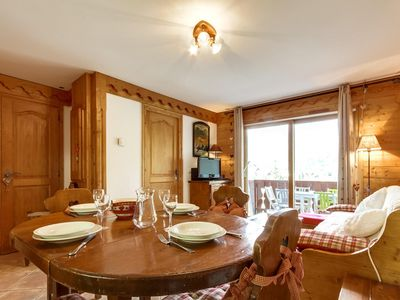 Photo for Fermes de Méribel Village Frêtes 11 - Apartment with a lot of character. Indoor swimming pool