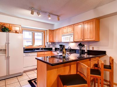 Photo for 7th Night Free! Spacious Townhome, Heated Pool/Hot Tub Access, Wi-Fi, Gas Grill