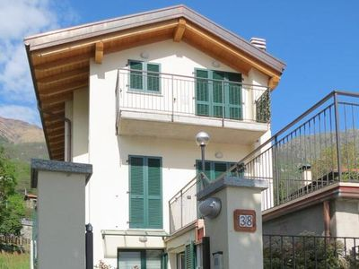 Photo for Holiday apartment Pianello del Lario for 4 - 5 persons with 2 bedrooms - Holiday apartment