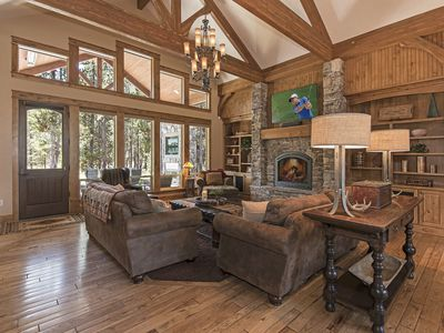 Photo for Spaciously Well Appointed Luxurious Home Near Sunriver, Great Outdoor Space!
