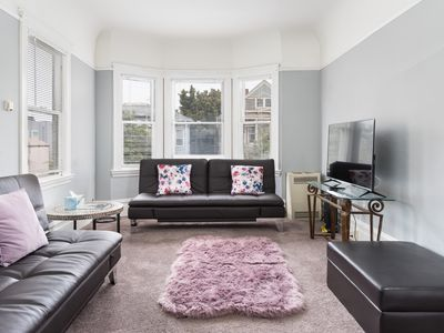 Photo for LARGE, LIGHT & LOVELY 3 BEDROOM APT IN DOWNTOWN OAKLAND - MINS TO SF