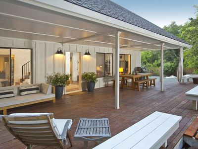 Tranquil Calistoga Retreat — wooded and sunny, hot tub, 5 mins to downtown