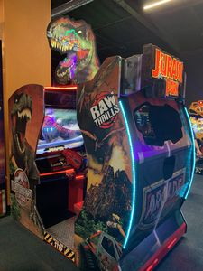 JURASSIC PARK ARCADE GAME - 2 person play...FREE and in the home for your use