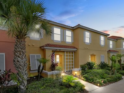 Photo for Three Bedrooms with Pool close Disney @Encantada 8532