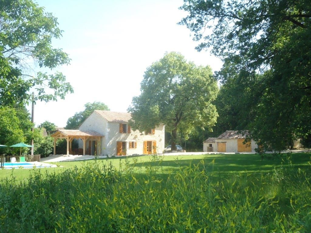 Beautifully Restored Country Farmhouse With Private Pool And Peaceful Garden Saint Cernin De Labarde