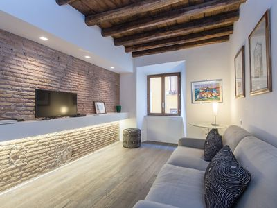 Photo for Apartment in the center of Rome with Internet, Air conditioning, Lift, Washing machine (451724)