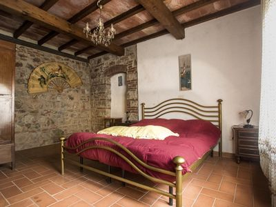 Photo for Rustic Tuscan style apartment