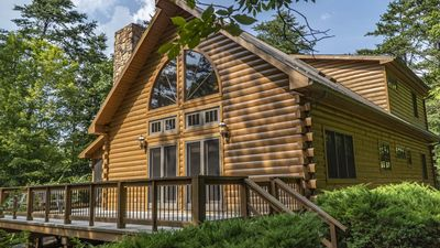 Photo for Spacious log home within walking distance to the lake, perfect for kayaking!