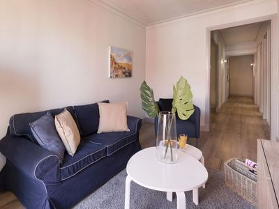 Photo for Gaudi 32 apartment in Gràcia with WiFi, air conditioning, balcony & lift.