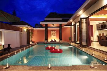 Photo for The Iris Pool Villa - Near Chalong Temple