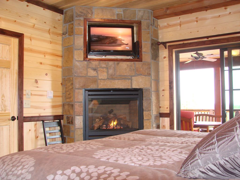 Property Image#4 Panorama Cabin   15 Mile Mountain View (1 Or 2 Couples