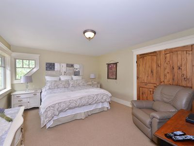 Photo for Beautiful, Luxurious Treetop Suite With Private Deck - Sleeps 4