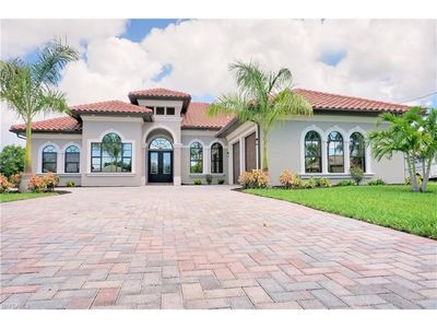 Photo for Dream House Waterfront with heated pool, Boat Dock, lift and jet ski platform.