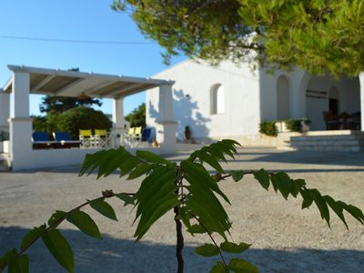 Photo for Panoramic villa with free access to the sea