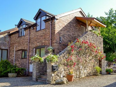 Photo for 1 bedroom accommodation in Llanrhydd, near Ruthin