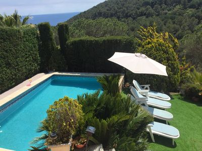 You can enjoy a relaxing sunbathe on the garden and refreshing on the pool.