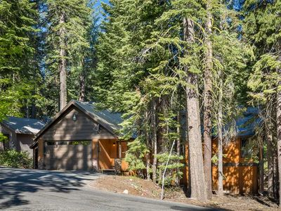 Photo for Kings Cabin: Three Bedroom Cabin With A Sauna and Pool Table!