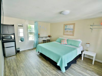 Whitehall Cottages Boutique Motel #9 - King Bed