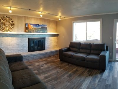 Photo for 4 bedroom/3 bath, conveniently located, great for large groups or families